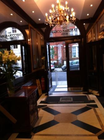 Grange Langham Court: hotel foyer
