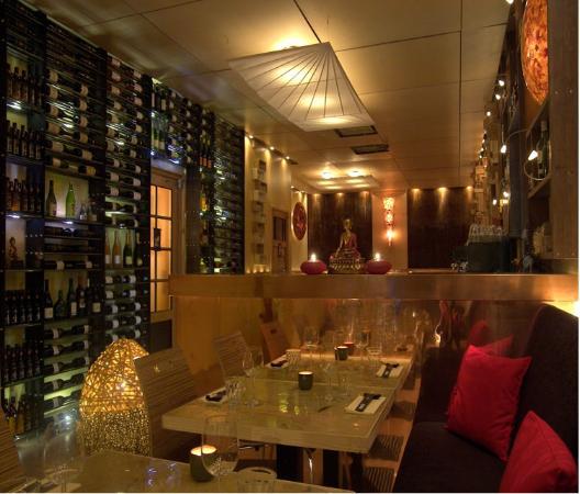 Mochi: restaurant front