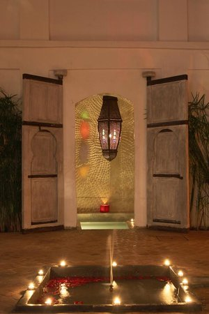 Riad O2 : The Jacuzzi at night