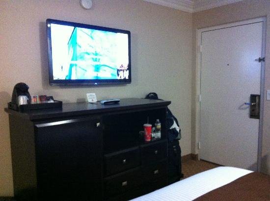Americas Best Value Inn Riverside: flat screen