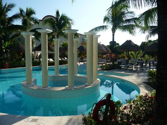 The Royal Suites Yucatan by Palladium: Royal Suites Pool