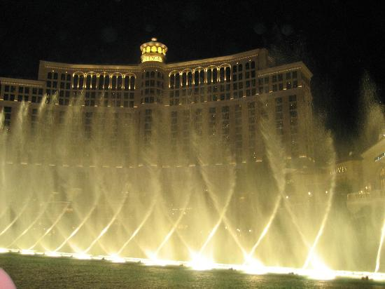 Hilton Grand Vacations at the Flamingo : fountains at Bellagio