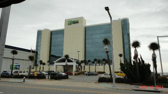 Holiday Inn Express Hotel & Suites Virginia Beach Oceanfront: Holiday Inn Express, Virginia Beach, VA