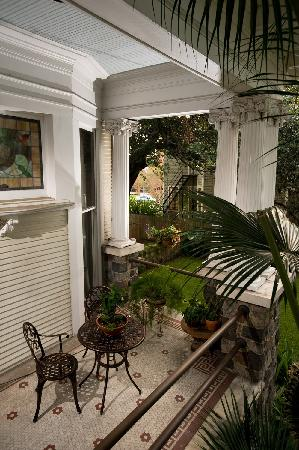 Canal Street Inn: Front Porch