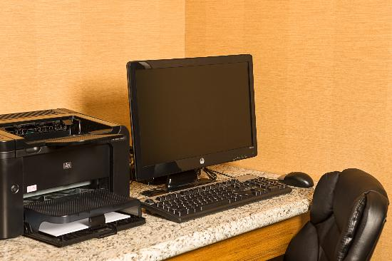 Fairfield Inn New York LaGuardia Airport/Flushing : Business Center