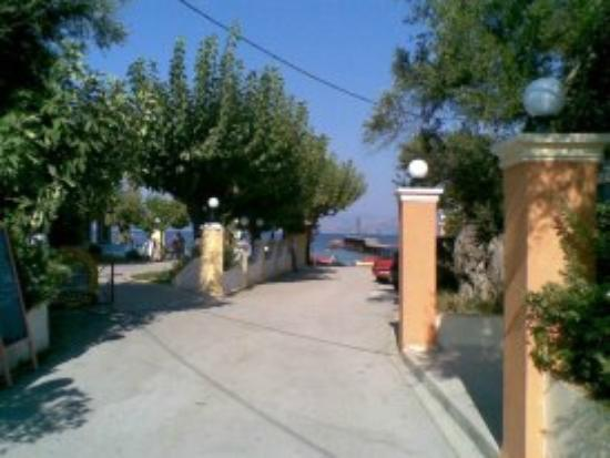 Odysseus & Agnes Apartments: on way to beach