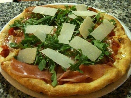 Pizza La Bella Italia Picture Of Restaurante Trattoria