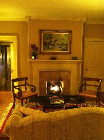 Inn at Meander Plantation: Sitting room in Shearer Suite