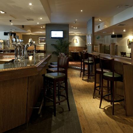 Orchard Park Hotel: Bar Grill