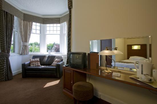 Orchard Park Hotel: Bedroom