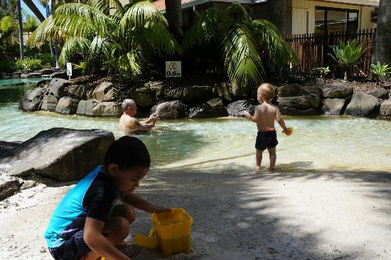 Oaks Seaforth Resort: Lovely kids pool area