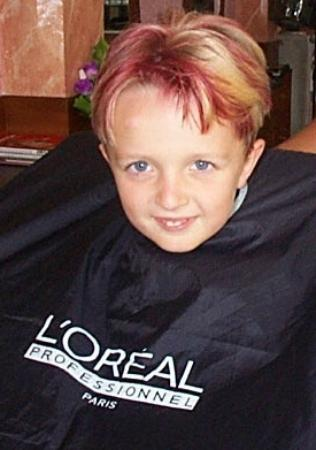Cosmo Salon and Spa: Kid cuts - temporary color - have fun!