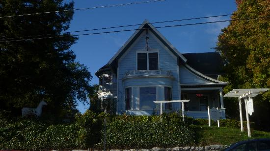 Cliff Crest Bed and Breakfast Inn: fachada