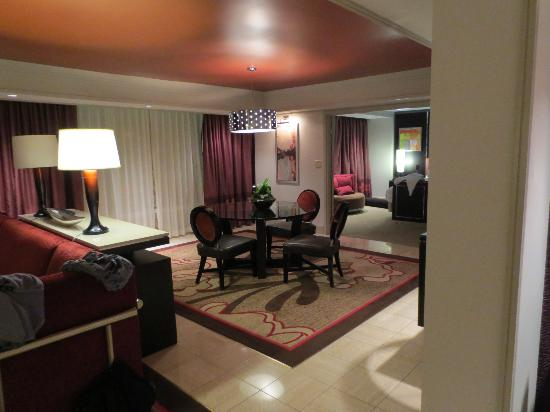 2 Bedroom Tower Suite Main Bedroom Picture Of The Mirage Hotel Casino Las Vegas Tripadvisor