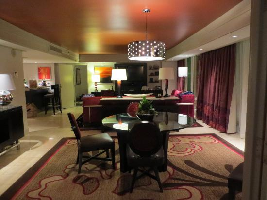 48 Bedroom Tower Suite Wet Bar Picture Of The Mirage Hotel Casino New Las Vegas Hotels Suites 2 Bedroom