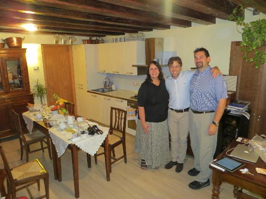 Ca' Barba B&B: Breakfast Room (and Alessandro)