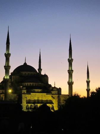 Uyan Hotel: Blue Mosque from Rooftop Patio