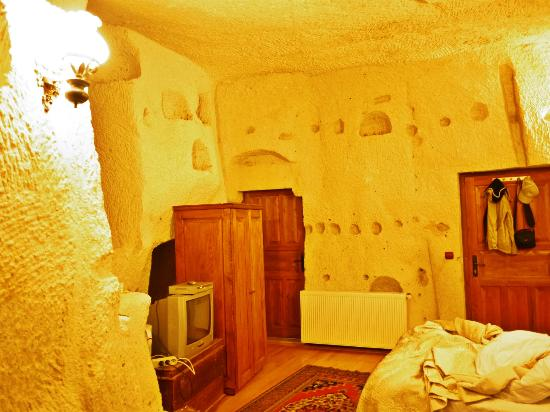 Dervish Cave House: Room 8 at night