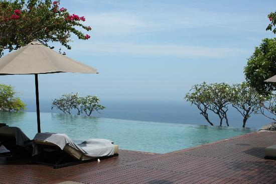 Bulgari Resort Bali: Infinity pool
