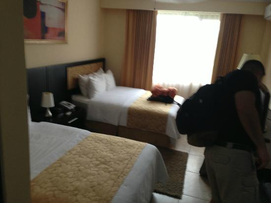 KC Hotel San Jose: clean room, bathroom was a bit small but worked fine