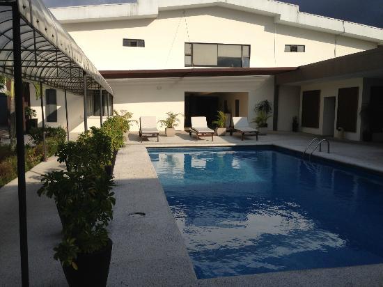KC Hotel San Jose: pool area 