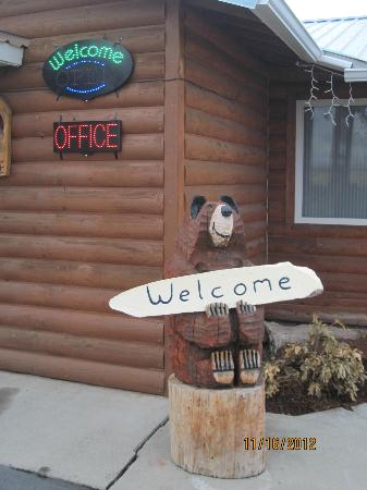 Mountain View Motel & RV Park: Front office