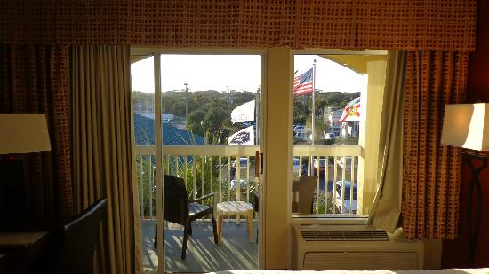 Hampton Inn St. Augustine Beach: View from street side room