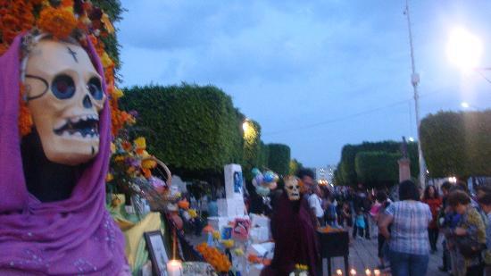 Arco Triunfal de la Calzada de los Heroes: La tarde en la Calzada