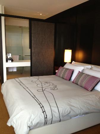 Crown Metropol Melbourne: City Luxe Room