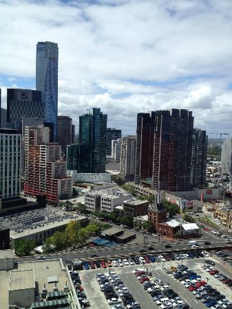 คราวน์เมโทรโพลโฮเต็ล: View from 25th floor