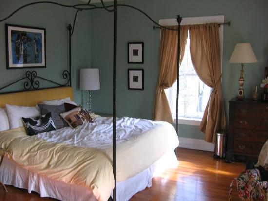Orchard House Bed and Breakfast: Barbizon Room