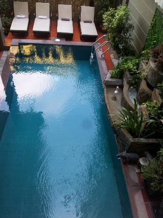 King Grand Boutique Hotel: Groundfloor pool