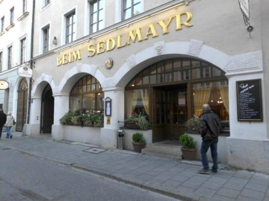 Beim Sedlmayr: Just 50 metres from the Viktualienmarkt