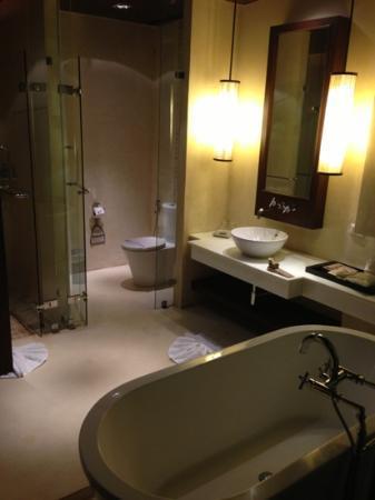بانفيمان شيانج ماي سبا ريزورت: bathroom for deluxe room
