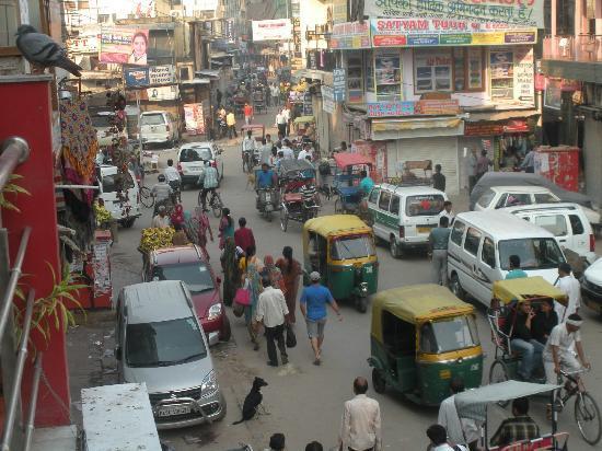 Hotel Hari Piorko: Main Bazar in front of Hai Piorko Hotel