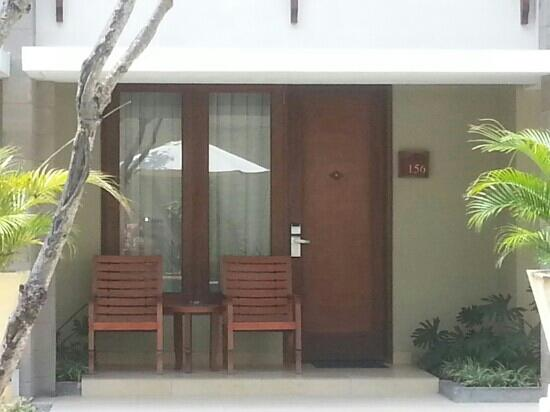 Bali Rani Hotel: ground floor entry.
