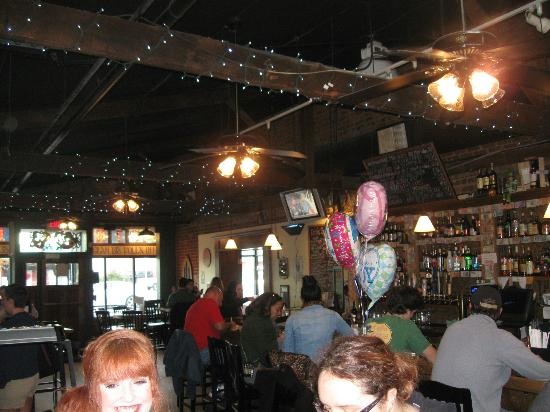 Finnigan's Wake Irish Pub: inside