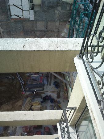 CVK Hotels Taksim: Le trou