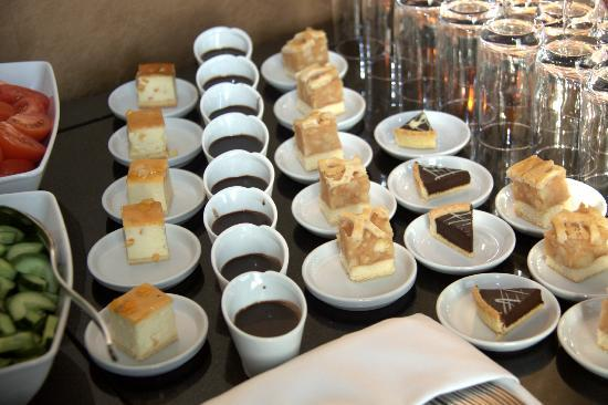 Banquet Service - Dessert - Picture of Mercure Warsaw Grand ...