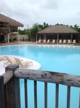 Bluewater Panglao Beach Resort: pool