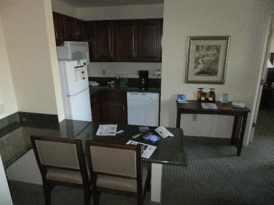 Staybridge Suites Rochester University: Kitchen with huge fridge.