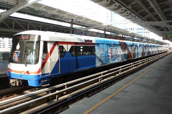 รถไฟฟ้า BTS: BTS Skytrain at Nana station