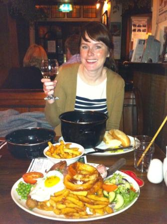 The Old Poets' Corner Restaurant: Lizzie - and my mix grill!