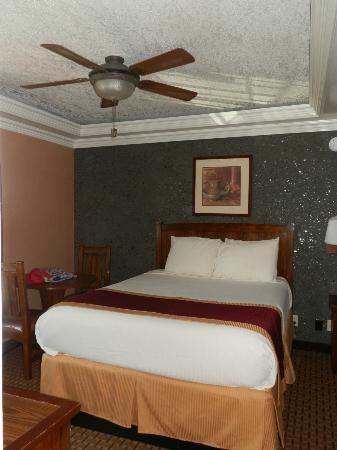 Park Vue Inn: clean comfortable modern rooms with great beds
