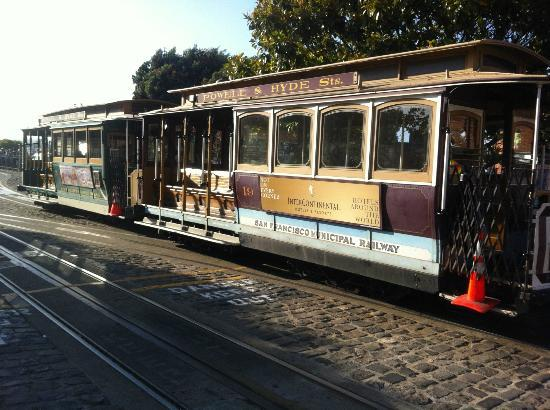 Hotel Abri: Cable Tram