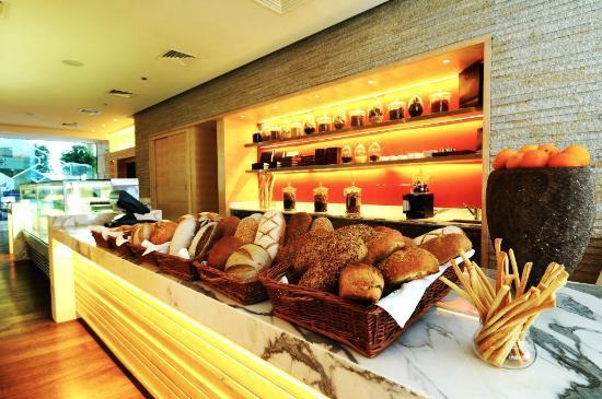 Hyatt Regency Chennai: Biscotti - gourmet shop
