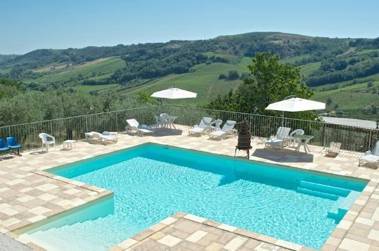 Agriturismo Montupoli : piscina