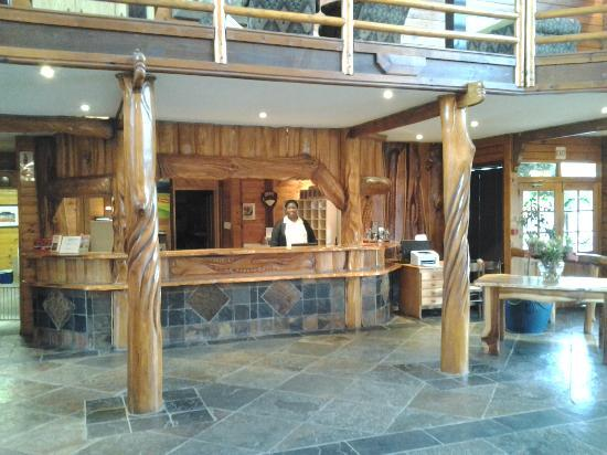 Knysna Log-Inn Hotel: Knysna Log-Inn reception