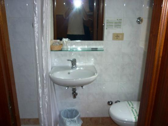 Hotel Signa: bagno camera economy