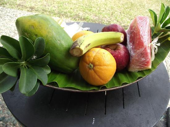 Warwick Le Lagon - Vanuatu: our fruit platter